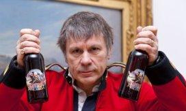 Bruce Dickinson. Cerveza Trooper