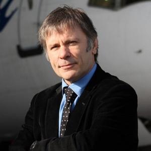 Bruce Dickinson, empresario.